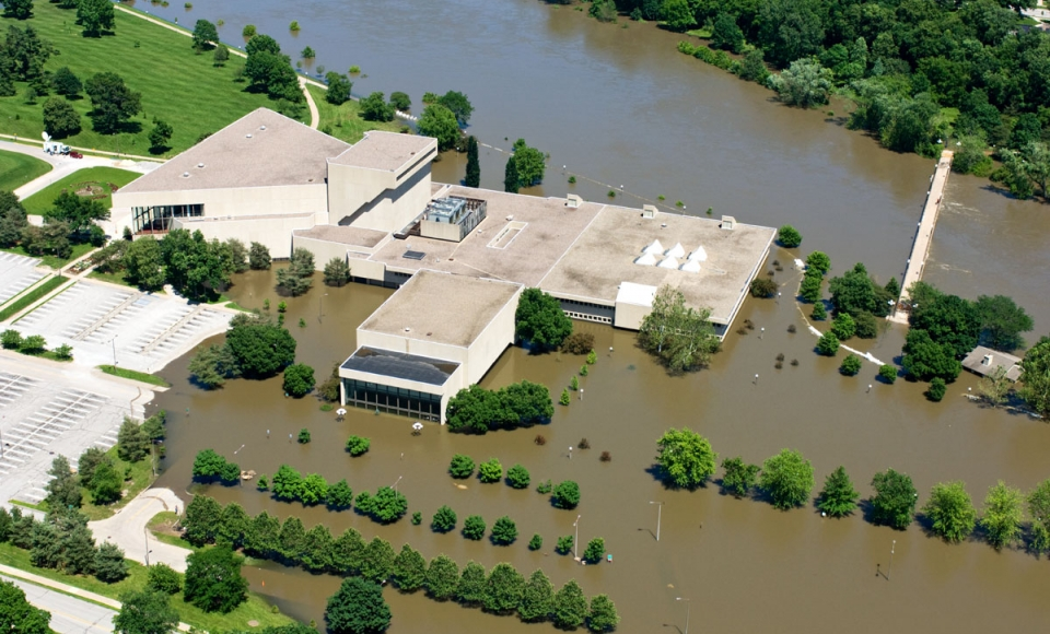 Aerial photo of the University of Iowa Music Building at the height of the 2008 flood.